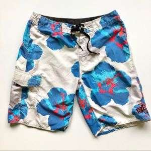 Rip Curl board shorts white and blue - size 33